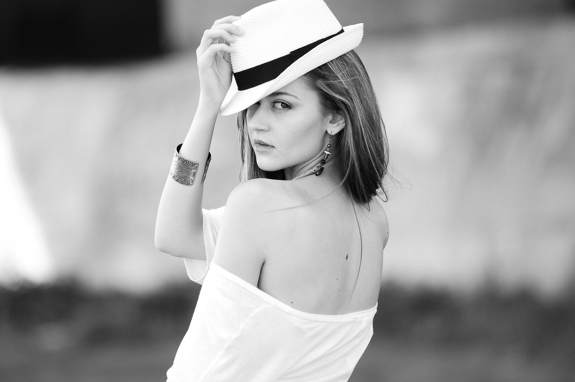 beauty with a hat black and white